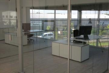 Ganzglas-Anlagen und Glastüren